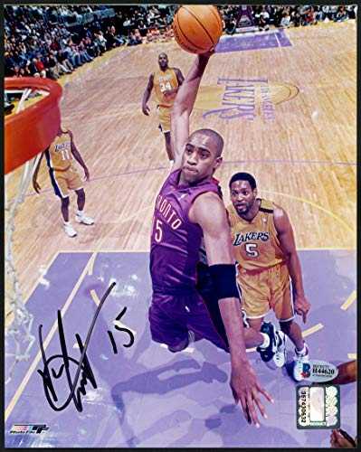 Vince Carter Autographed Photograph - 8x10 Beckett BAS #H44620 - Beckett Authentication - Autographed NBA Photos