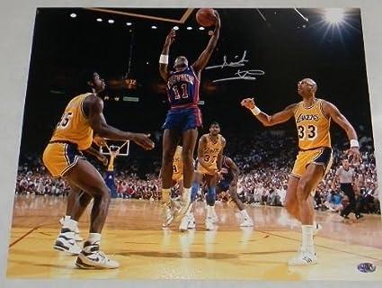 eea19e2f5 Isiah Thomas Autographed Detroit Pistons Vs Lakers 16x20 Photo - Certified Authentic  Autograph