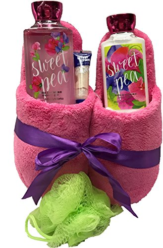 Price comparison product image Bath & Body Works Slipper Gift Sets - Gift Baskets - Fun House Slippers (L), Body Cream, Shower Gel, Bath Poof, Lip Balm - Lots of Scents to Choose From (Sweet Pea)