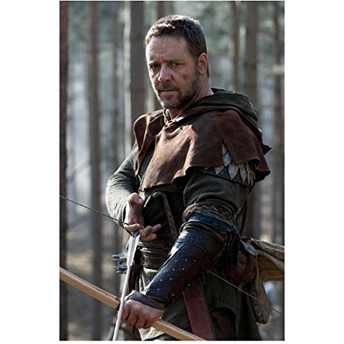 Robin Hood Russell Crowe as Robin Longstride Standing Tall Arms Down in Front 8 x 10 Inch Photo
