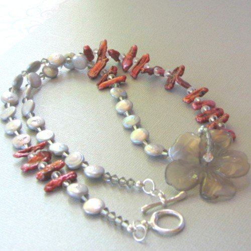 Freshwater Pearls with Smoky Quartz Flower Pendant Beaded Necklace (Necklace Smoky Quartz Swarovski)