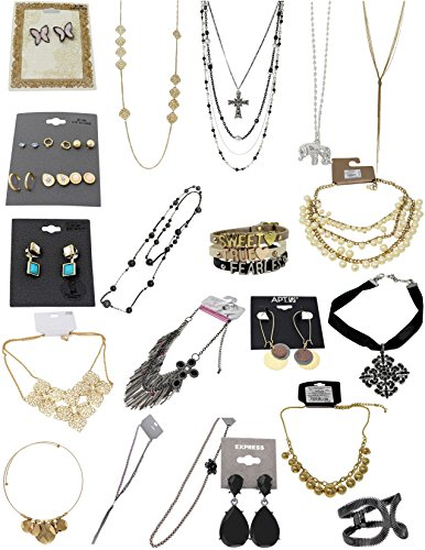 Target Major Department Store Fashion Jewelry Wholesale Lot  100 Pk Assorted Jewelry