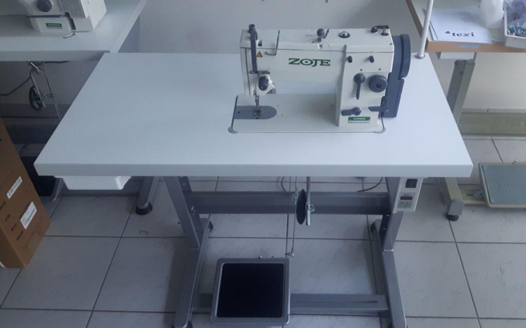 ZOJE de la Industria de Coser - Zigzag y Puntada Recta - Completo (con Mesa y Estructura): Amazon.es: Juguetes y juegos