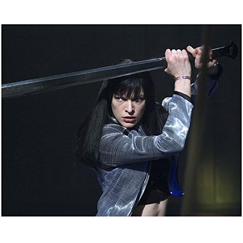 Milla Jovovich as Violet in Ultraviolet Holding Sword 8 x 10 Inch Photo ()
