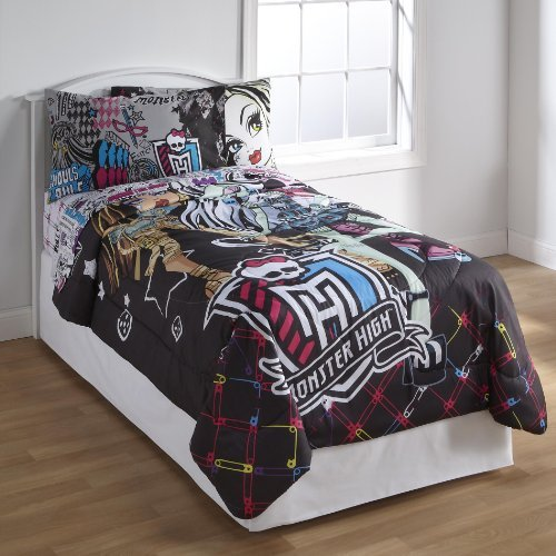 Mattel Monster High Girl's Twin Comforter All Ghouls Allowed