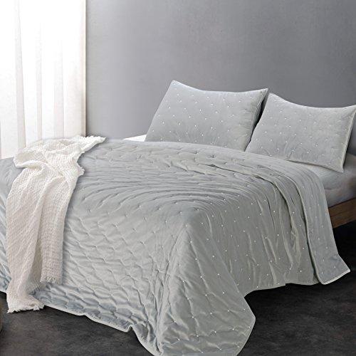 (Sleeping Partners AQTKEM003 Luxe Embroidered Dot Microfiber Velvet 3 Piece Quilt Set, King, Dusty Grey)