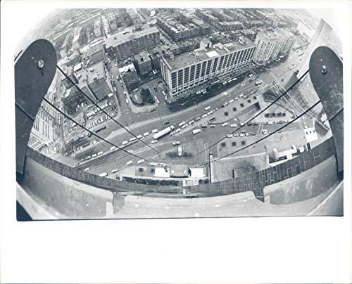 Vintage Photos 1983 Press Photo Rescue Prudential Center Spools Cradle Climbing Building ()