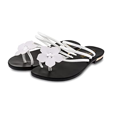 494e0315baa4f Hannea Sweet Floral Embellishment Ladies Flip-Flop Beach Sandals  Buy  Online at Low Prices in India - Amazon.in