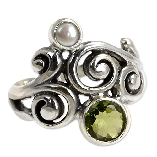 (NOVICA Peridot Cultured Freshwater Pearl .925 Sterling Silver Artisan Crafted Cocktail Ring, Cloud Song' )