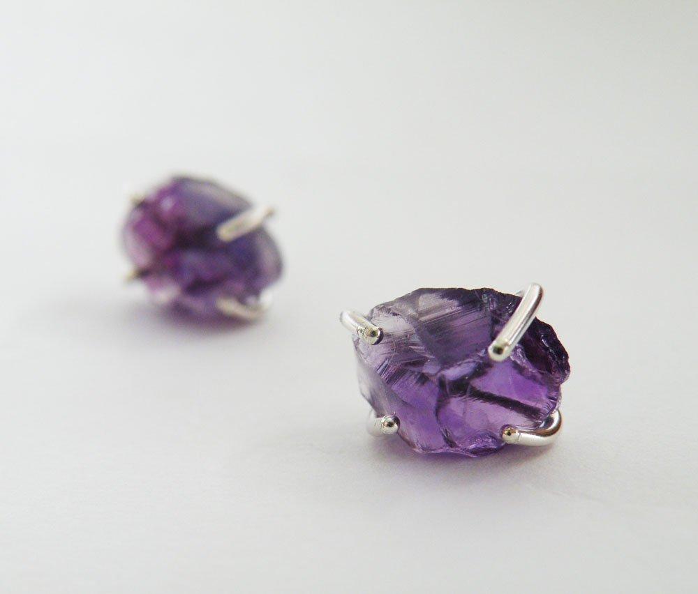Fashion style Raw stud amethyst earrings photo for lady