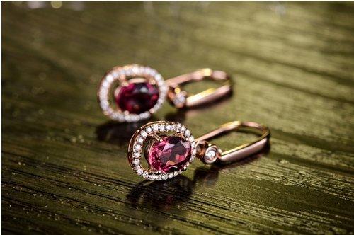 Gowe 18K Or Blanc 1,5ct Certifié authentique Rouge Tourmaline Boucles d'oreilles pendantes avec diamant 0.25CT Boucles d'oreilles