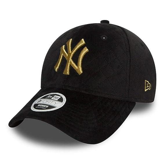 7245dfb038e New Era Winter Pack 9Forty Womens Cap One Size New York Yankees   Amazon.co.uk  Clothing