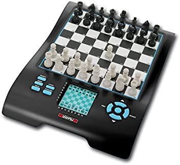 Millennium Europe Chess Master II, Model M800 - Chess, Checkers, Othello / Reversi, Halma, 4 in a Row, Nim, Fox & Geese, and Northcotes game Electronic Computer Board Set by Millennium: Amazon.es: