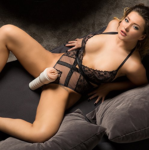 Hottest nude babes on facebook