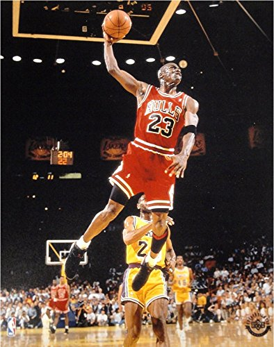 - Michael Jordan Unsigned 8x10 Photo Chicago Bulls Glide Dunk VS Lakers