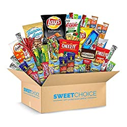 5 Mott's Medley Assorted Fruit Snacks 2 Quaker Chewy bar , 2 Nature Valley Oats 'n Honey Crunchy Granola Bars 3 Planters Salted Peanuts 1 Lay's Classic Potato Chips 1 Lay's Barbecue Potato Chips 2 Sensible Portions Veggie Straws 1 Cheez-It Original 1...