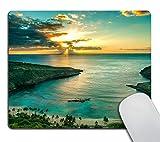 Smooffly Hawaiian Mouse pad, Sunrise Over Hanauma Bay On Oahu, Hawaii Sunbeams Through Dark Clouds Shoreline Personality Desings Gaming Mouse Pad