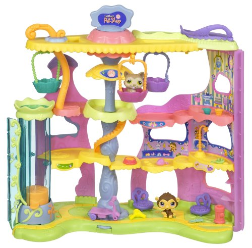 Hasbro Littlest Pet Shop Round & Round Pet Town (Littlest Pet Shops Free)