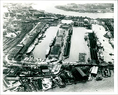 Vintage photo of Isle of Dogs,Airport & Railways:West India ()