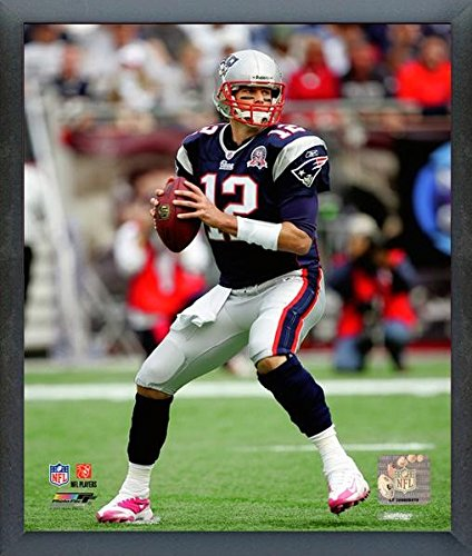 Tom Brady New England Patriots NFL Action Photo (Size: 12
