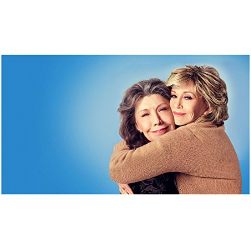grace-and-frankie-lily-tomlin-and-jane-fonda-sharing-some-love-8-x-10-inch-photo