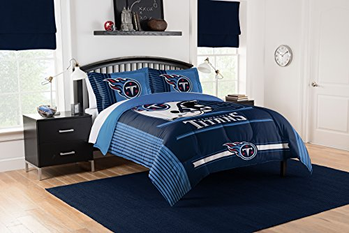 Officially Licensed NFL Tennessee Titans Safety Full/Queen Comforter and 2 Sham Set ()