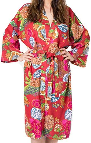 Batas de algodón orgánico para Mujeres y Hombres. Albornoces de Kimono Fresco. Impresos a Mano, cultivados orgánicamente, Hechos éticamente. Talla única 38-46 (Red Tropical): Amazon.es: Hogar