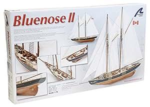 Maqueta de barco en madera: Goleta de pesca canadiense Bluenose II
