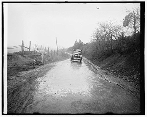 (Reproduced 8 x 10 Photo of: Ford Motor Co. Lincoln in Shenandoah NAT. Park, Virginia 1918 National Photo Company)
