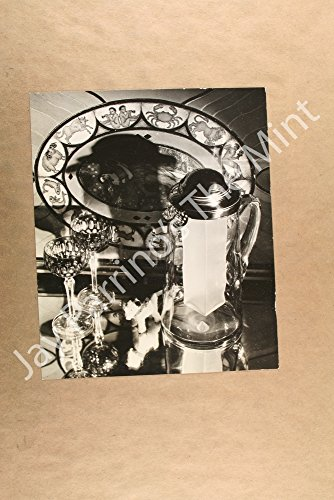 Vintage Photo of COCKTAIL SHAKER With Frosted Glasses (MJ393) (Frosted Cocktail)