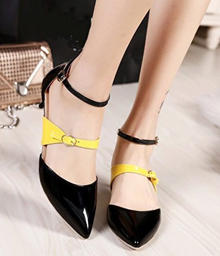 IDIFU Womens Fashion Buckle Closed Pointed Toe Mid Kitten Heels Pumps Shoes With Ankle Strap Black t4ii8h54