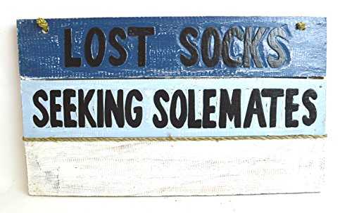 Hand Carved LOST SOCKS SEEKING SOLMATES Hanger Clothes Pins Holder Wooden Wall Hanging Art Sign (Seeking Men)