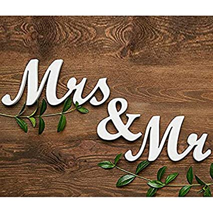 Amazon.com: Letras con texto en inglés «Mr And Mrs» Yl602726 ...
