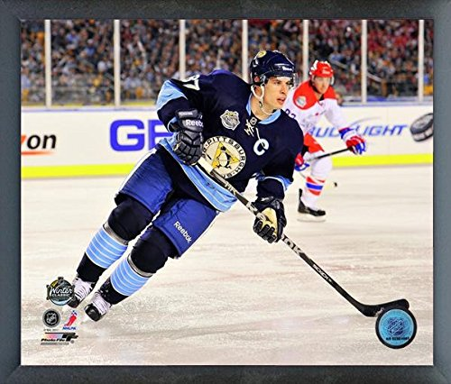 Sidney Crosby Pittsburgh Penguins NHL 2011 Winter Classic Action Photo (Size: 12