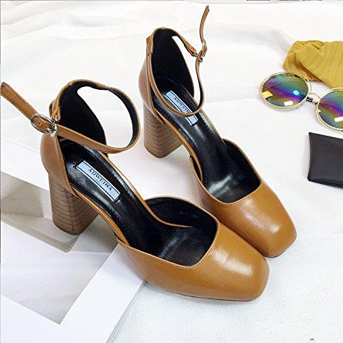 Secondaires Mot SHOESHAOGE Chaussures Hauts Chaussures Femme Tête Rétro Bois unie Creux Talons Un Talon À À Couleur Carrée Céréales Printemps Buckle Femme Avec P5q5xA