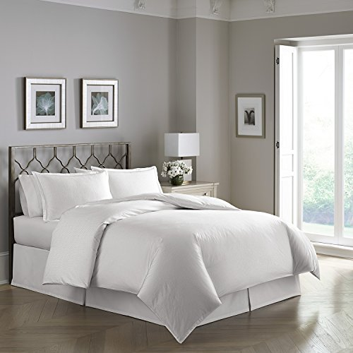 White Modern Pearlized Helix Patterned 300 Tc Luxury Duvet Set  Oversized Queen 90  X 98