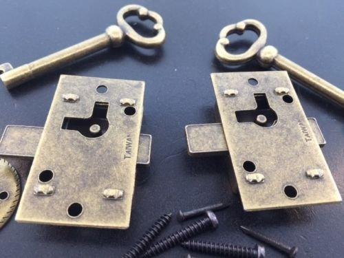USA Premium Store 2 Curio Cabinet Front Door key and Lock Set in Antique Finish
