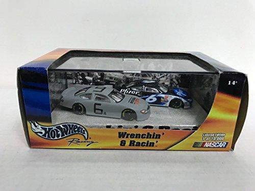 Wrenchin' & Racin' Mattel HOT WHEELS Nascar Racing 2-pack...