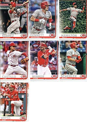 2019 Topps Series 1 Baseball Cincinnati Reds Team Set of 9 Cards: Eugenio Suarez(#29), Scooter Gennett(#107), Jesse Winker(#146), Luis Castillo(#156), Billy Hamilton(#164), Scott Schebler(#218), Joey Votto(#284), Michael Lorenzen(#304), Sal Romano(#343)