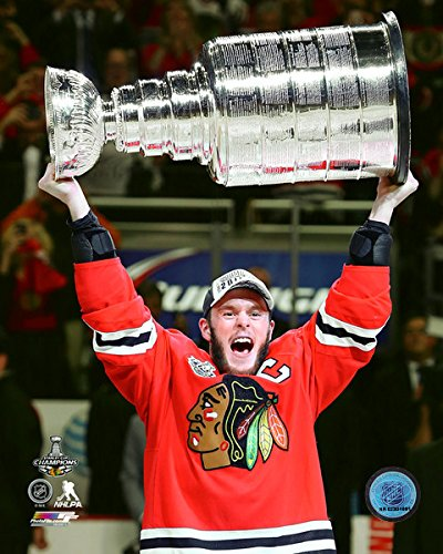 amazon com jonathan toews chicago blackhawks stanley cup trophy