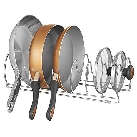 mDesign Organizador de sartenes y tapaderas – Soporte de metal cromado con 6 compartimentos para sartenes y tapas de ollas – Organizador de cajones y ...