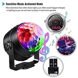 51gnnEpqNBL. SS300  - Disco-Licht-DiscokugelEmooqi-7-Modi-RGB-LED-Bhnenbeleuchtung-Party-Lichter-mit-Fernbedienung-Musik-aktiviert4M-USB-Kabel360Rotierenden-Beleuchtungseffekt-fr-Kids-Geburtstag-Party-Weihnachten