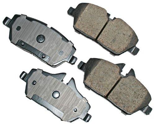 (Akebono EUR1308 EURO Ultra-Premium Ceramic Brake Pad Set )