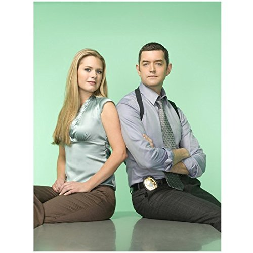Weapon Starship Troopers (Psycho Promo Detectives O'Hara (Maggie Lawson) And Lassiter (Timothy Omundson) Sitting On Table 8 x 10 Inch Photo)