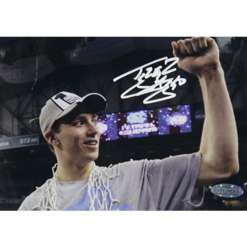 (NCAA North Carolina Tar Heels Tyler Hansbrough Fist Pump Photograph, 5x7-Inch)