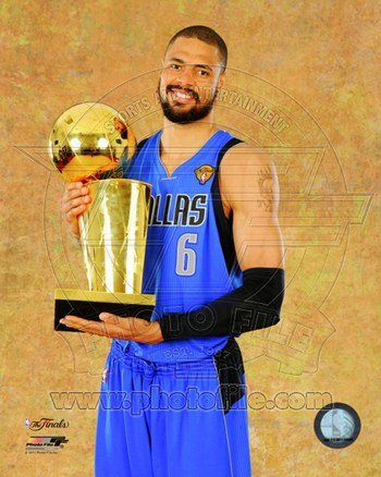 2011 NBA Finals Tyson Chandler - 2011 NBA Championship Trophy Game 6 of the 8x10 Photo