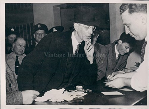 - 1935 Wilfred Jones Attorney Muench Case Perjury Trial Commissioner Photo