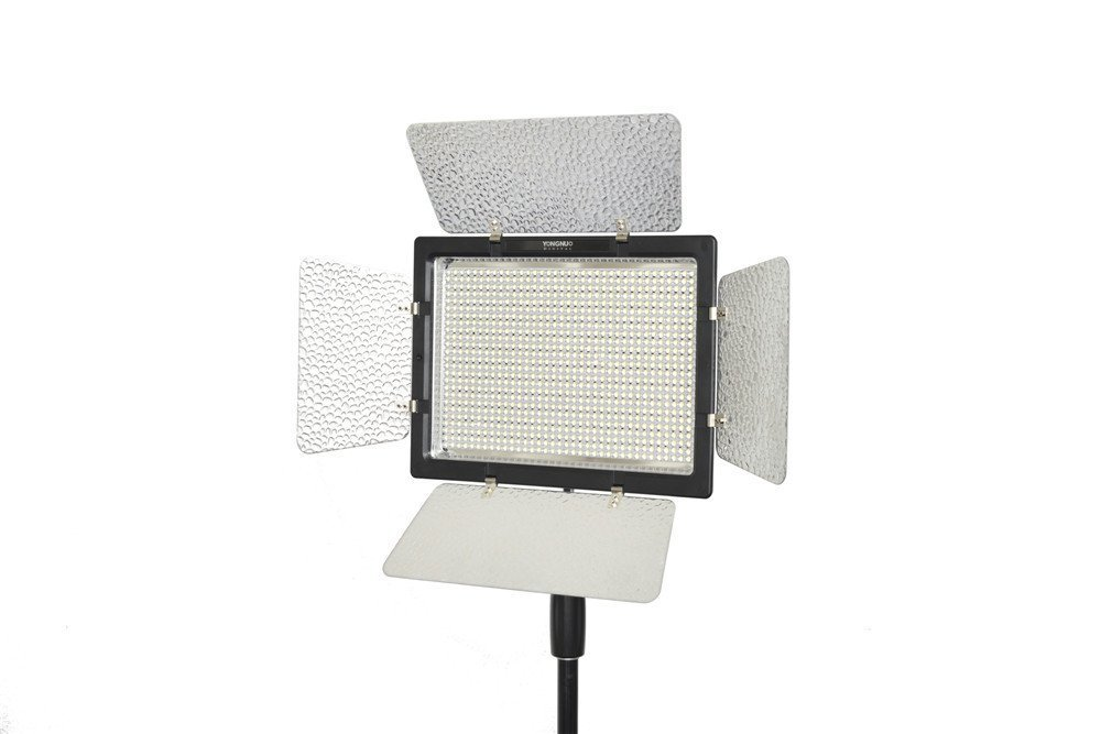 YONGNUO YN900 単色 LEDビデオライト YN900 定常光ライト 900球搭載 5500K 照明撮影ライト リモコン付き 電池ACアダプター別売り   B00YC2DPFE