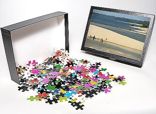 Photo Jigsaw Puzzle of Groups of people and boats on the sand spit beaches at Alter do Chao on the