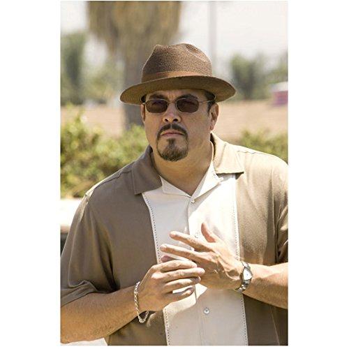 Dexter (TV Series 2006 - 2016) 8 Inch x 10 Inch Photograph David Zayas Brown Hat Sunglasses Brown & White Shirt - Dexter Sunglasses
